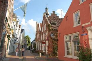 Häuserfassaden in der Altstadt von Leer